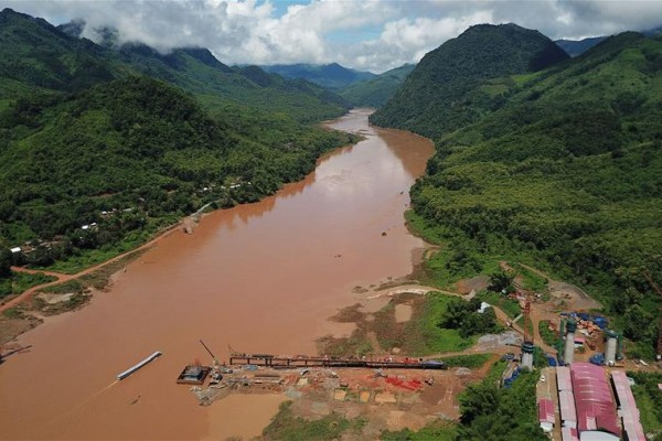 Chinese constructors complete foundation of cross-Mekong River super bridges